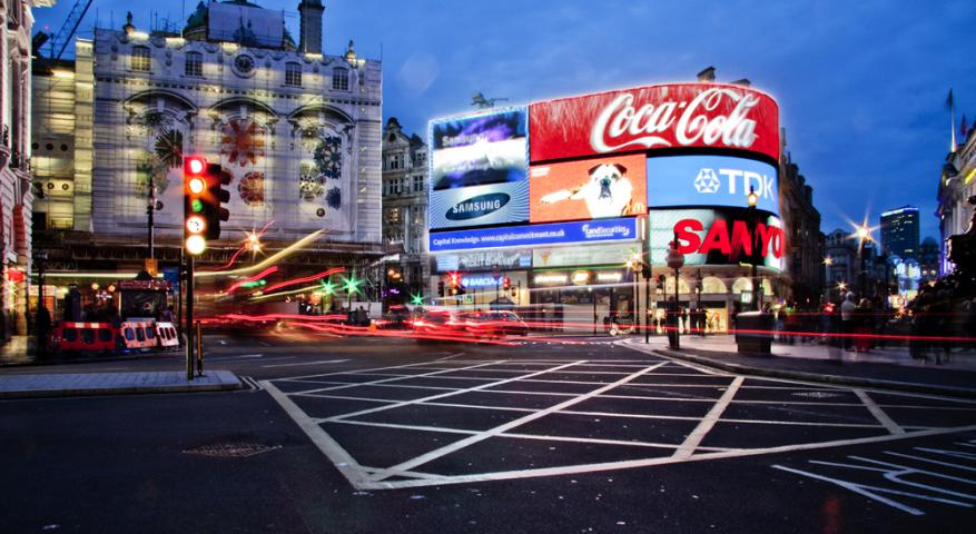 piccadilly circus-میدان-پیکادلی-لندن